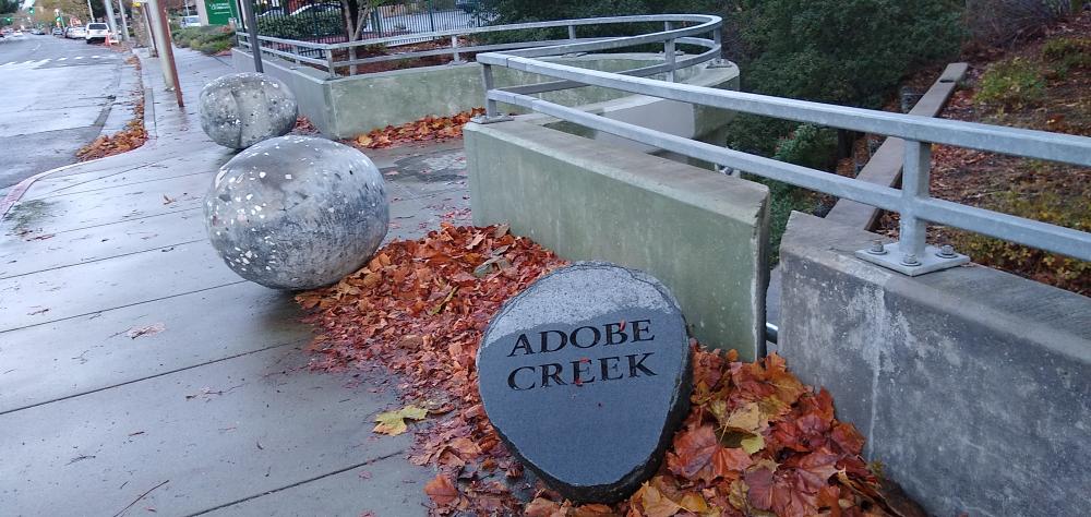 Adobe Creek:アドビ川1